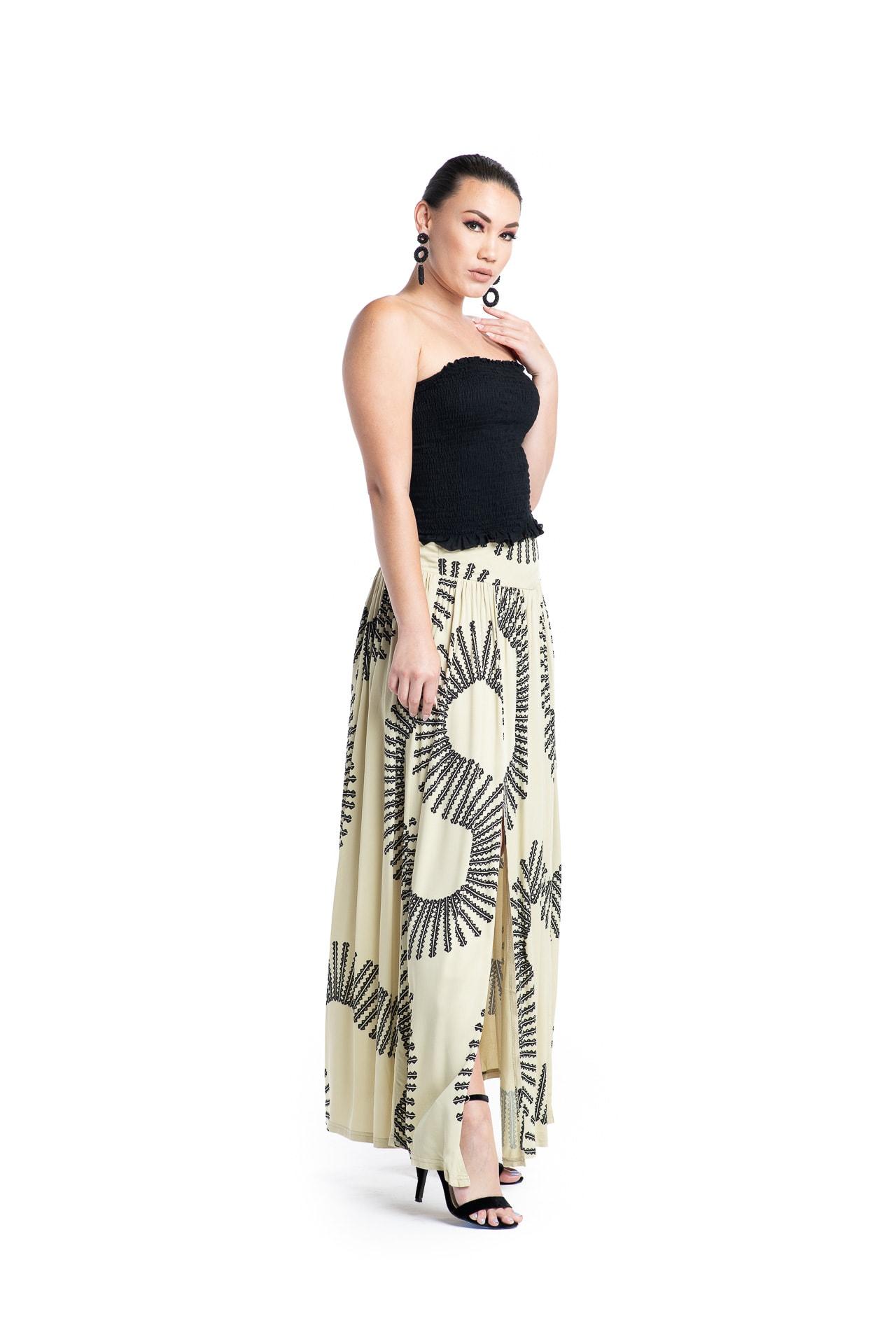Model wearing Maoli Skirt - Side View