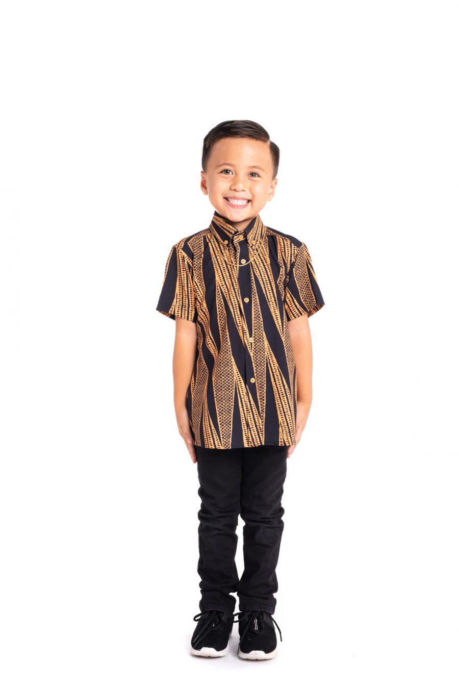 Boy wearing Keiki Mahalo Shirt S-S in Deep Well/Buck Skin Kialoa