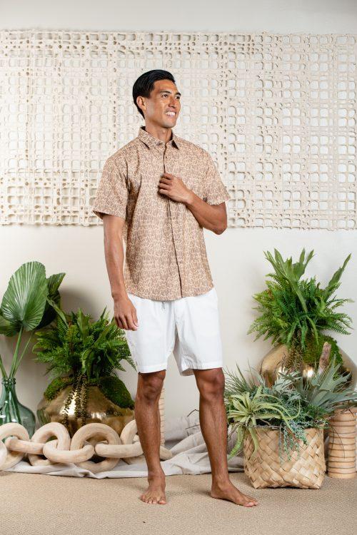 Male model wearing ALOHA SHORT SLEEVE-KAPUALIKO