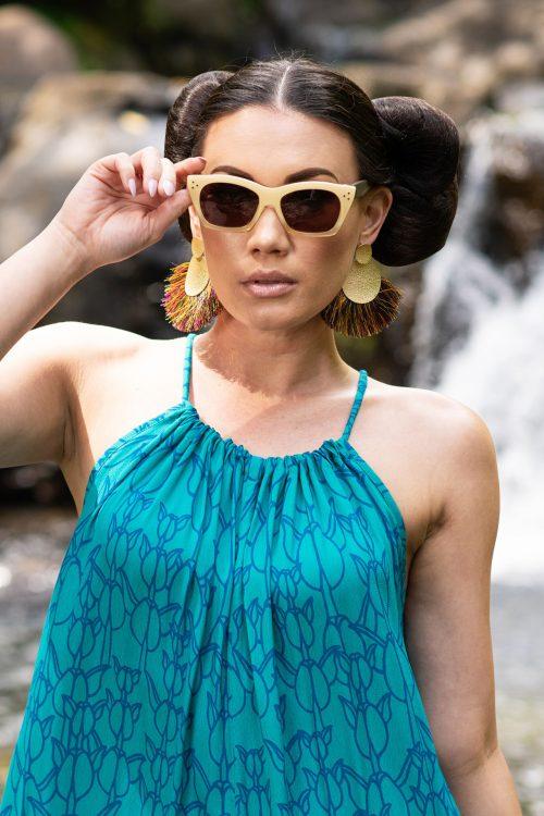 Model wearing Damis Sunglasses in Crema