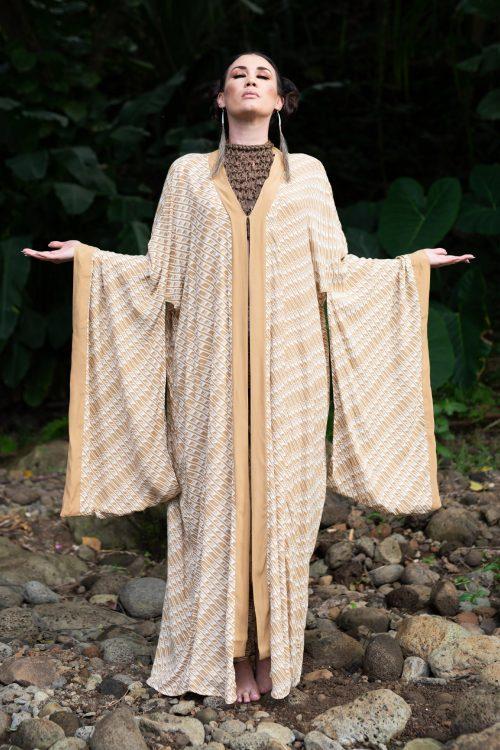 Model wearing Kaliko Kaftan Long in Tannin/Moonbeam Hulu Nene