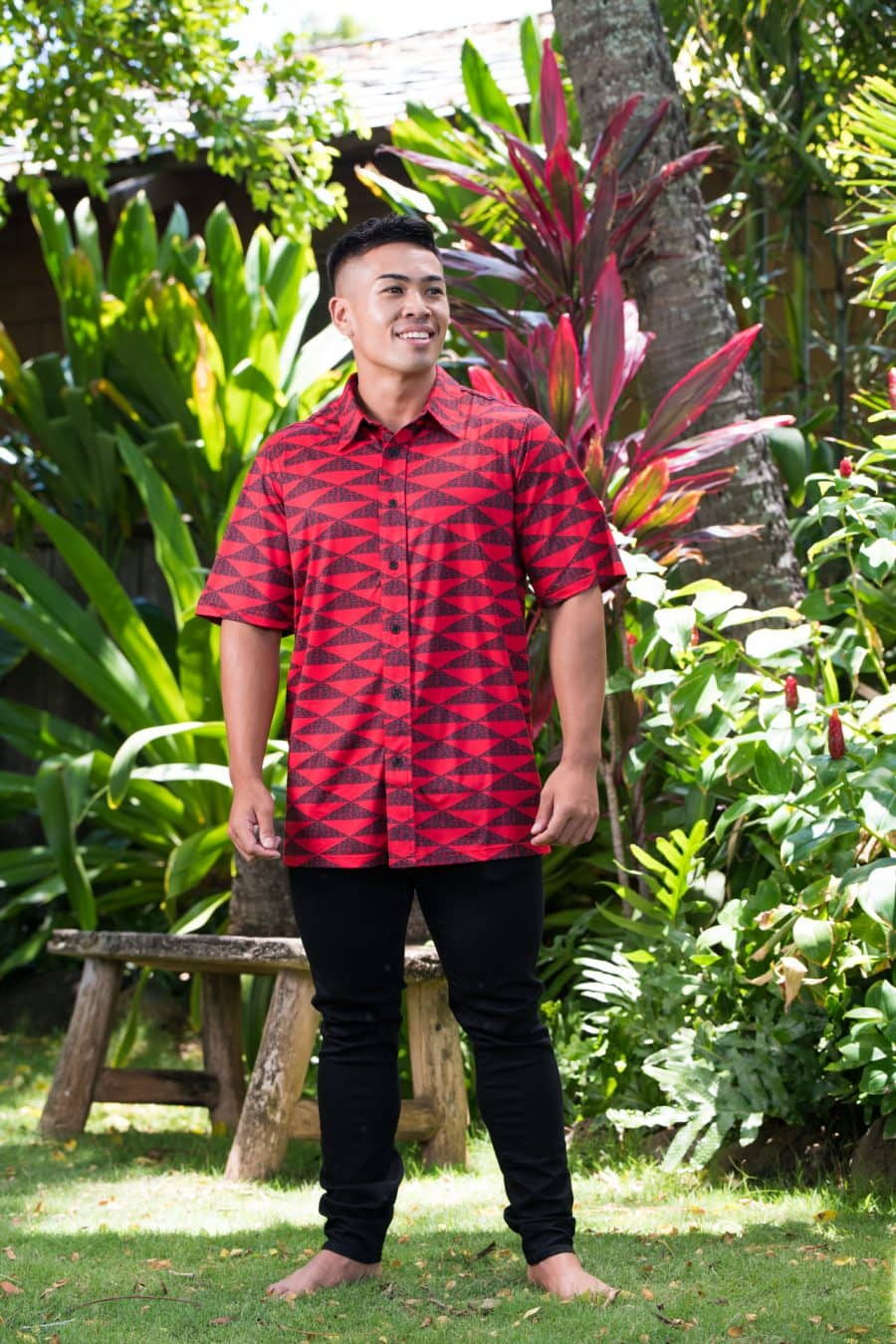 Male model wearing Golf Aloha Button in Chinese Red Black Mauna Pattern - Front View