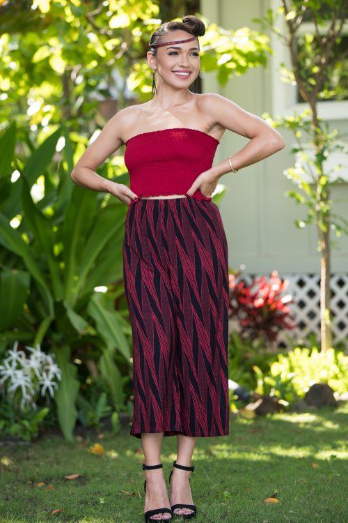 Model wearing Kalei Kultots in Deppwell Brick Red Kialoa Pattern - Front View