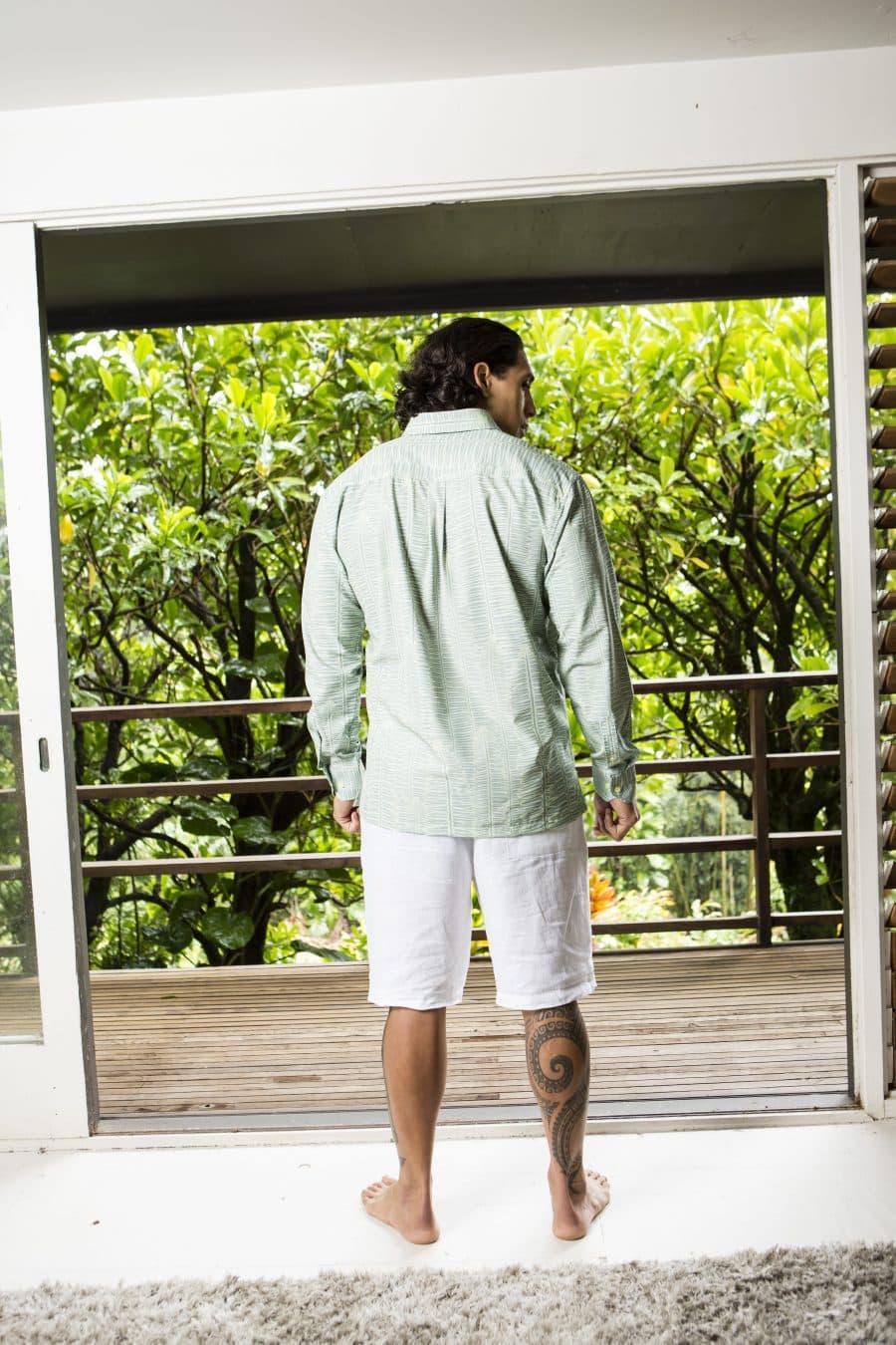 Male Model wearing Mahalo Shirt in Lily Pad Margarita Kupukupu Pattern Back View